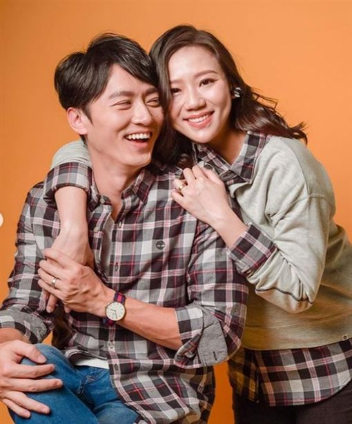 馬俊麟跟老婆梁敏婷。(合成圖/翻攝自IG)