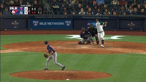 ▲拉梅修(DJ LeMahieu)6局下敲出洋基季後賽首轟。(圖/翻攝自MLB官網)