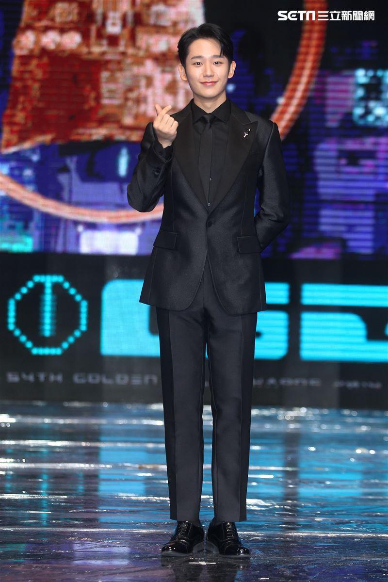 韓星丁海寅出席第54屆金鐘獎頒獎人。(記者邱榮吉/攝影)