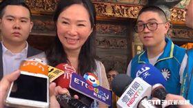 李佳芬被謝國樑拉走 記者李依璇攝影