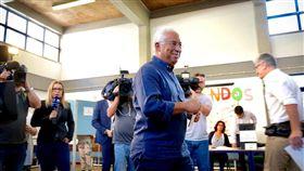 柯斯塔,葡萄牙今日舉行國會大選,總理柯斯塔(Antonio Costa)爭取連任。葡萄牙實施撙節政策多年,柯斯塔上任後,促進國內經濟穩健成長了一段時間,他領導的社會黨可望獲勝。(圖/翻攝自António Costa臉書)