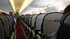 班機 航班 https://www.flickr.com/photos/foilman/10205195114/in/photolist-gxNhXU-dTVMZz-tGfGe-eaN9rK-24AQtvy-cZBKE7-jsZ4dp-dU2pGu-om79Ex-oVK96p-nDNAqL-97kGs3-o4BuPD-eiMfcU-nhT7fo-2JCpAL-dbCAe9-ed8jGa-dU2qe