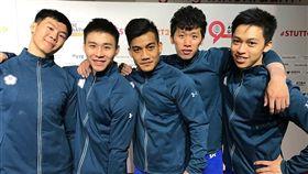 2019世界體操錦標賽6日在德國斯圖加特舉行,李智凱(右2)和唐嘉鴻(左1)領軍中華隊男子成隊,合計拿下250.093分,有望前進2020東京奧運。(圖取自twitter.com/gymnastics)