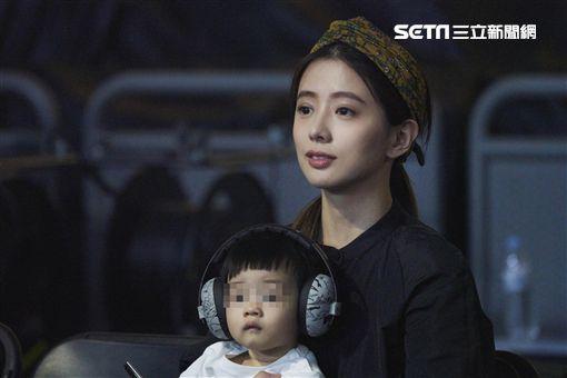 林宥嘉高雄演唱會老婆丁文琪抱兒子華研國際提供