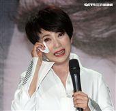 美魔女周思潔在經歷人生高低起伏後,決定要再次回到最愛的歌壇出專輯「傻傻的花」。(記者邱榮吉/攝影)