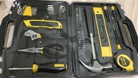 男新買工具箱…打開竟鎖滿螺絲!他傻眼:我就是缺工具才買(圖/翻攝自PTT)