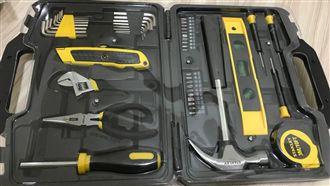 矛盾!男新買工具箱…打開竟鎖滿螺絲