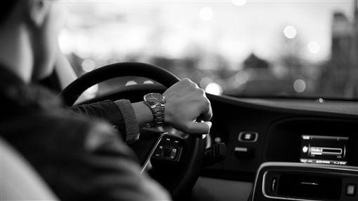 開車/pixabay