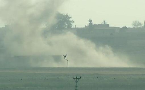 土耳其派兵入敘利亞 發起和平之泉行動(1)土耳其總統艾爾段9日宣布發起「和平之泉行動」,敘利亞拉卡省特爾阿布雅德鎮受到砲擊。圖攝自土耳其尚勒烏爾法省阿克恰卡萊鎮。(Ahmet Keyif提供)中央社記者何宏儒安卡拉傳真   108年10月9日