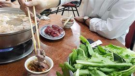 陳其邁,火鍋,醬料,食材 圖/翻攝自貓與邪佞的手指臉書