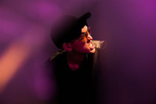 「眼鏡俠」樂團(Glasses-Men)大有來頭,由主唱古哥(Google)、吉他手滾爺(Agwen)、貝斯手偉傑(CJ)和鼓手阿凱(Kyle)組成。(Mo Chen 陳彥奇)
