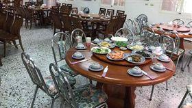 連假花蓮知名餐廳僅一桌客 老闆娘曝「恐怖真相」(圖/翻攝自爆廢公社公開版)
