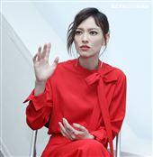 入圍金馬獎最佳女配角姚以緹接受三立新聞網專訪。(記者邱榮吉/攝影)