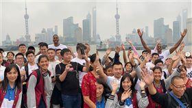 NBA/抵制?中國球迷搶和魔獸合照 NBA,中國,抵制,洛杉磯湖人,魔獸,Dwight Howard 翻攝自Dwight Howard IG