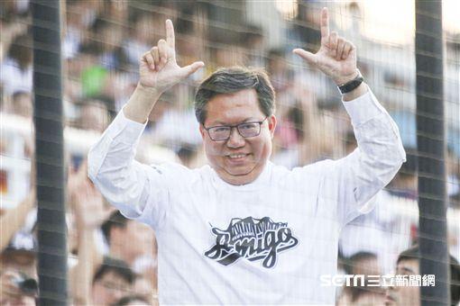 桃園市長鄭文燦來為桃猿加油。(圖/林士傑攝影)