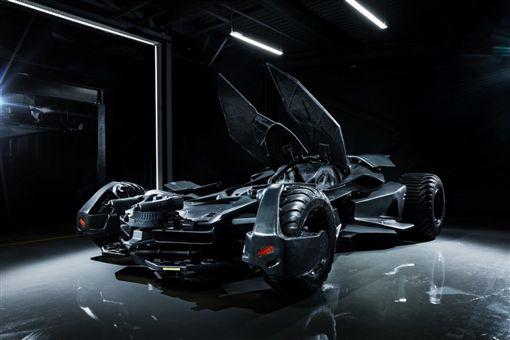 ▲仿製蝙蝠車登上拍賣網站。(圖/翻攝網站)
