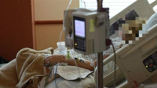 癌症病人離世…大夜班護理師見這幕嚇壞:馬上離職