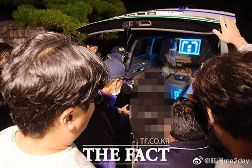 雪莉 遺體送往醫院 圖/微博