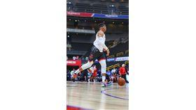NBA/威少膝蓋遭撞!提前中離訓練 NBA,休士頓火箭,Russell Westbrook,膝傷 翻攝自推特