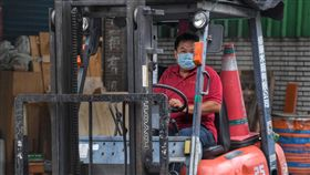 主計總處公布8月經常性薪資為4萬2135元主計總處15日發布8月薪資調查,全體受僱員工每人經常性薪資平均為新台幣4萬2135元,年增2.22%。中央社記者王飛華攝 108年10月15日