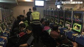 台北市萬華分局查緝西寧南路的《卡通尼》電子遊藝場(翻攝畫面)