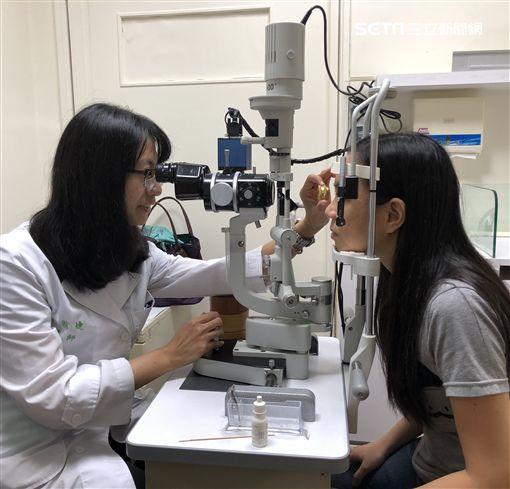 台大醫院新竹分院,眼科,林暄婕,視網膜,黃斑部,視力,黃斑部皺摺,阿姆斯勒方格表