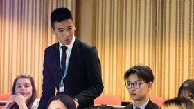19歲台裔男成紐西蘭最年輕議員!總理阿爾登致電鼓勵,王費雪(Fisher Wang,音譯)翻攝自臉書