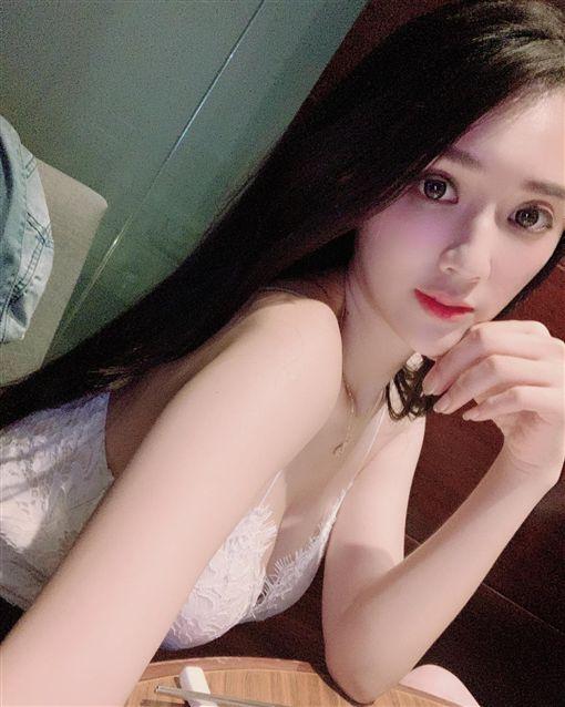 捲賣淫風波!子涵突曬雪莉截圖洩心聲/臉書