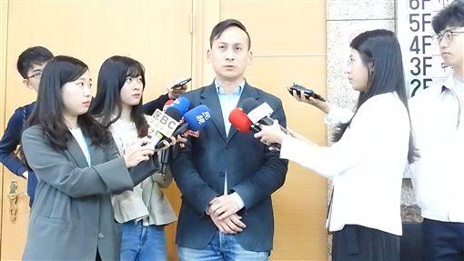 葉元之受訪 記者李依璇攝影