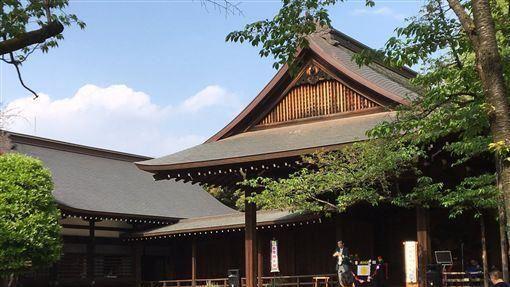 日本,靖國神社,安倍晉三,未出席,閣員參拜(圖/翻攝自推特)