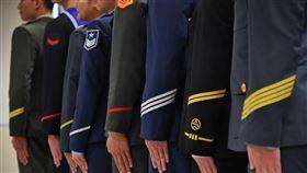 國防委員會,通過,恢復,退役上校子女,教育補助(圖/中央社檔案照片)
