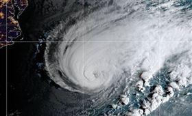 颶風,地震,風暴震,新型災害,合而為一(圖/截圖自推特)