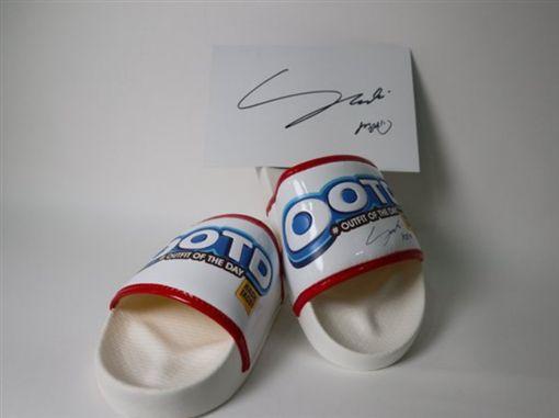 雪莉拖鞋(圖/翻攝自韓網)