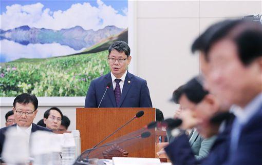 南韓,金煉鐵,具體條件,解除,對北韓制裁(圖/韓聯社)