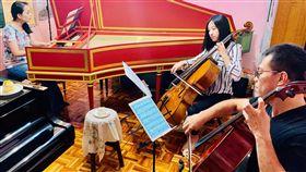 蔡佳璇陳世霖攜手  大鍵琴的甜點狂想(1)大鍵琴家蔡佳璇(左起)、大提琴家廖璽喬與陳世霖攜手演出「大鍵琴的甜點狂想-聆賞古今,品味幸福」音樂會,帶來甜點與音樂交流的藝術盛宴。中央社記者趙靜瑜攝  108年10月17日