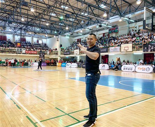 何凱成, Cheng Ho, 球學, 哈佛跑鋒, 林書豪同學, 體育教育, 球學聯盟 晶彩大人物提供