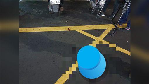 台北市信義區吳興街晚間6點40分左右,發生一對情侶遭黑衣人持棍棒刀械砍傷案。(圖/翻攝畫面)