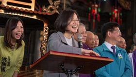 總統蔡英文20日赴台中為無黨籍立委洪慈庸站台。(圖/總統府提供)