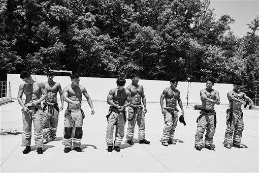 韓國消防猛男月曆 圖/韓網