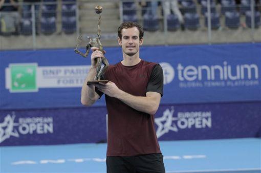 英國名將莫瑞(圖)20日在比利時安特衛普網賽決賽擊敗同樣贏過3座大滿貫賽金盃的瑞士好手瓦林卡,拿下髖關節手術後休養復出以來首座單打冠軍。(圖取自twitter.com/atptour)