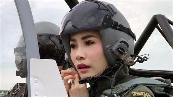貴妃詩妮娜(Sineenat Wongvajirapakdi)。翻攝微博