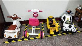 玩具車,停車場,膠帶,三寶(爆怨公社)