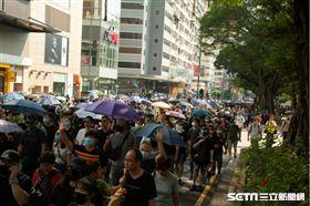 香港反送中運動,10月20日九龍大遊行。在極權底下,港人未有怯懦,塞爆多區展示堅定的民意。▲(圖/駐香港特約記者王志杰攝影)
