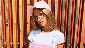 12歲的麗莎.安諾辛娜已是俄羅斯家喻戶曉的「網紅」,Instagram粉絲追蹤人數堂堂突破了230萬大關。(圖取自麗莎.安諾辛娜IG網頁instagram.com)