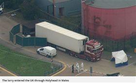 英國卡車貨運箱驚見「39具屍體」 25歲嫌犯遭逮…警:車來自保加利亞(圖/鏡報)