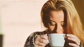 泡牛奶解塊攪不散?內行人曝「關鍵方法」網驚:泡錯好幾年(圖/翻攝自Pixabay)