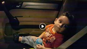 小男孩,鯊魚寶寶,黎巴嫩(圖/翻攝自臉書)
