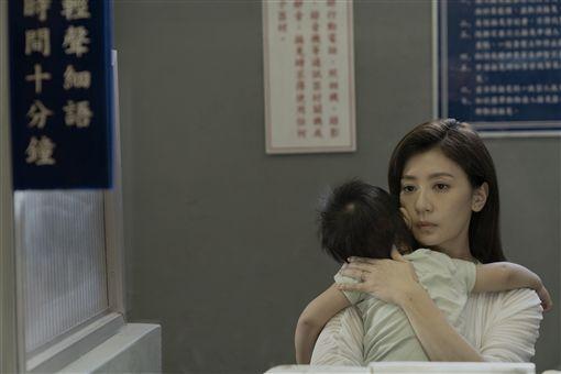 賈靜雯、范曉萱。(Netflix 提供)