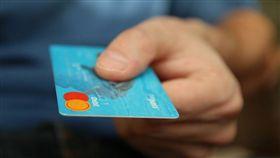 信用卡比Visa金融卡好用?(圖/翻攝自Pixabay)