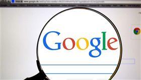 法國媒體24日表示,因Google拒絕為在搜尋結果呈現報導內容付錢給新聞業者,違反歐洲聯盟新著作權法,將向監管單位舉報。(圖取自Pixabay圖庫)